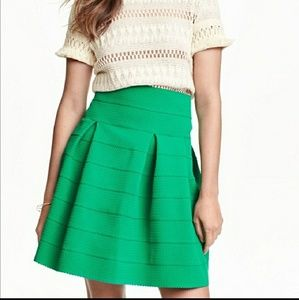 H&M stretchy flared skater skirt extra small